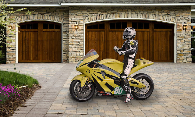 2012-Lightning-Motorcycles-www.hydro-carbons.blogspot.com-Exclusive -street-bike