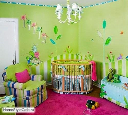 Déco intérieur chambre en vert pour bébé fille