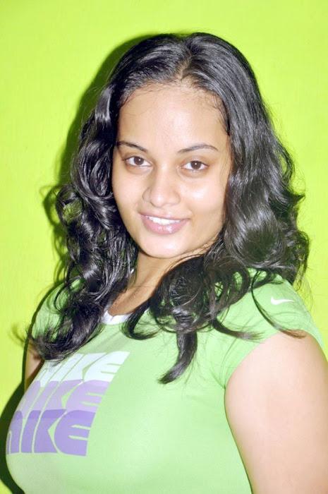 suja actress pics