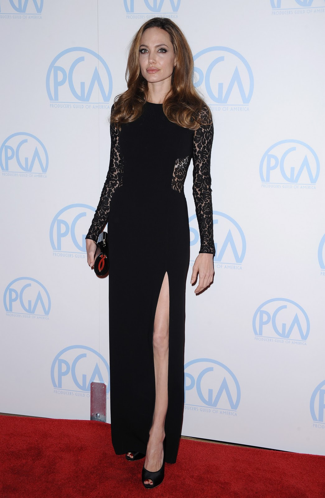 http://2.bp.blogspot.com/-ghOKJ-84UAw/TxweqnNjTZI/AAAAAAAAOfE/5MHCPAznugA/s1600/20281_Angelina_Jolie_23rd_Producers_Guild_Awards_J0001_042_122_364lo.jpg