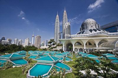 Du khách nên mua gì khi đi tour du lịch Malaysia