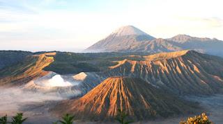 Bromo, Gunung Wisata Paling Terkenal di Jawa Timur