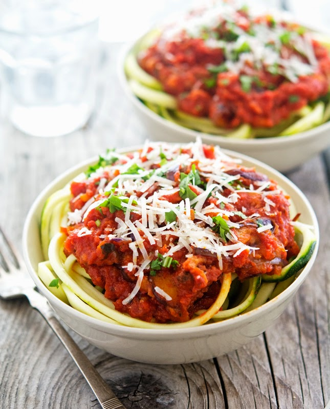 Zoodles alla Norma (with Tomato Sauce and Eggplant)