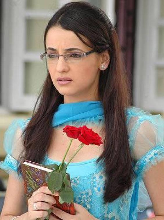Star Plus Tv Seriyal Is Pyaar Ko Kya Naam Doon Actress Sanaya Irani