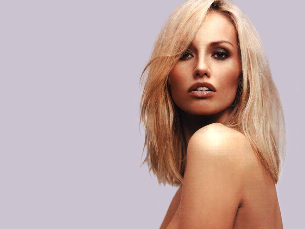 Adriana Karembeu Photo Albums Of