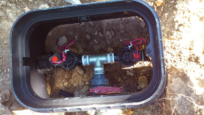C mo instalar un riego para el jard n jardinosfera for Aspersores para riego de jardin