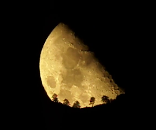 moon and San San Jacinto Mountains