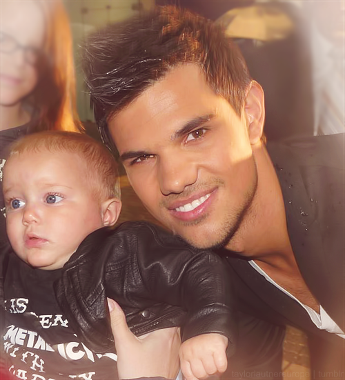 OFFICIAL TAYLOR LAUTNER FAN PAGE: Old/New of Taylor with a ... Taylor Lautner Date