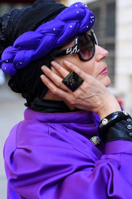 ring-purple-black-fashion-cell phone