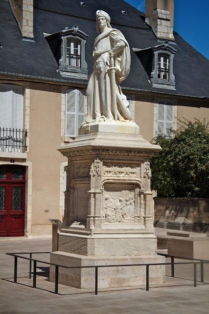 Jacques Coeur Statue