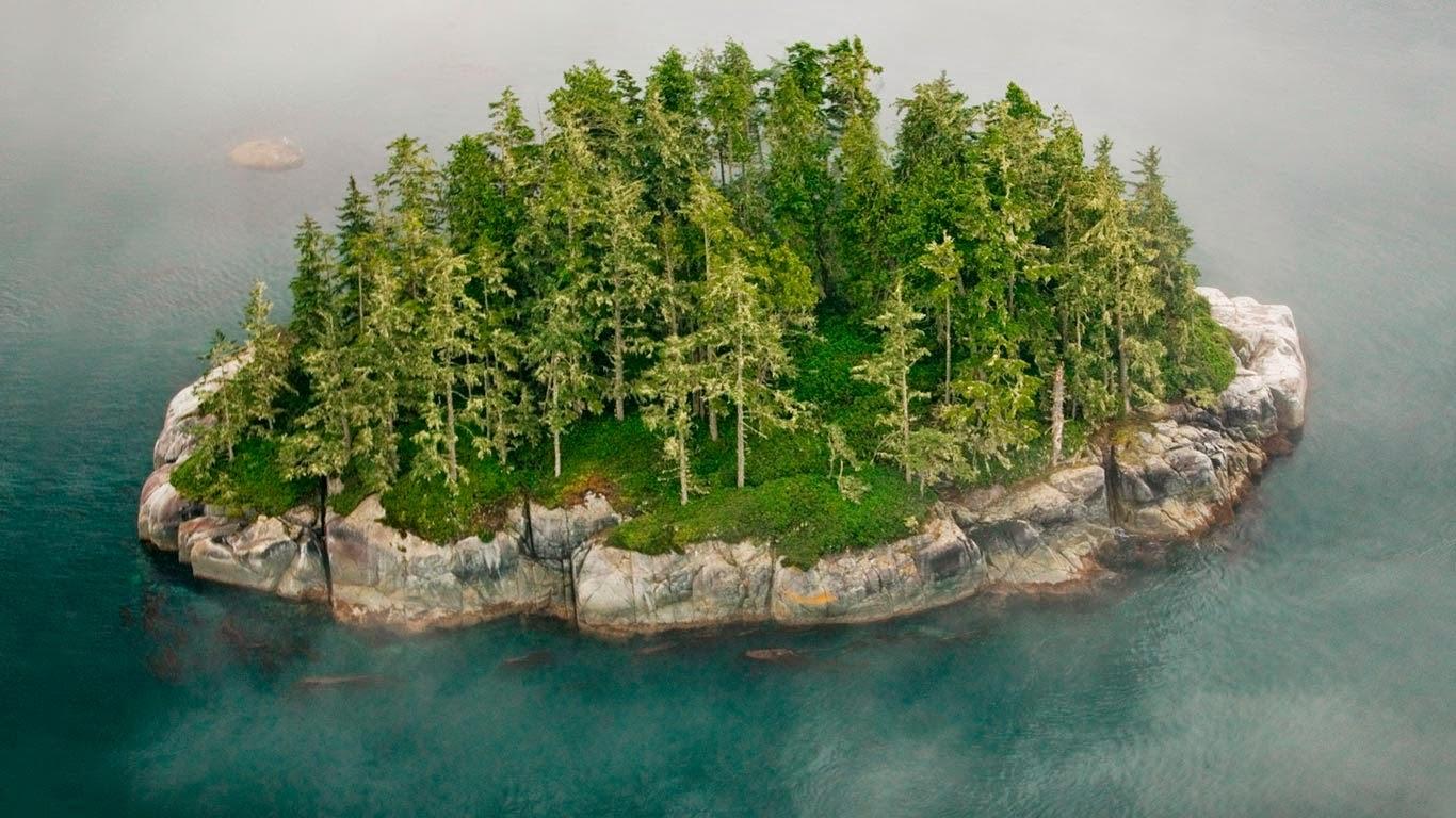 Broughton Archipelago, British Columbia, Canada (© Art Wolfe Inc./Mint Images) 169