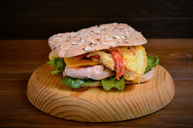Sándwich especial de pavo