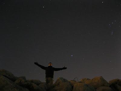 rio jesus pose with stars in sky