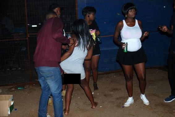 NeWs : These Girls Show of Their Private Part In Exchange For Bottle Of Beer [ Photos ]