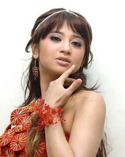 Download Foto Artis on Foto Artis Yeyen Telanjang Bulat