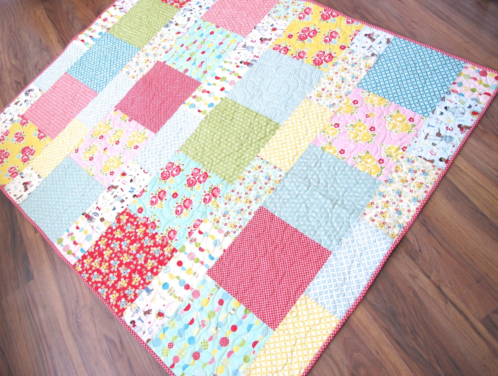 Layer Cake Quilt As You Go : Bee In My Bonnet: Layer Cake Lemonade Quilt - and a ...