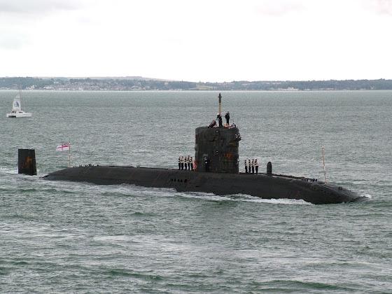 HMS Triumph (S-93)