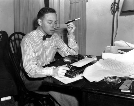 tennessee williams 2 essay Free essay: symbolism in the glass menagerie by tennessee williams no works cited in tennessee williams' play the glass menagerie williams used symbols to.