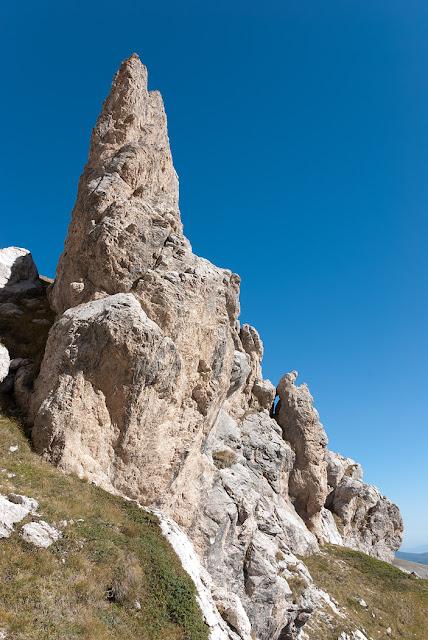 Una guglia lungo la via Cieri al Monte Infornace