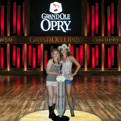 Cat ladies Grand Ole Opry