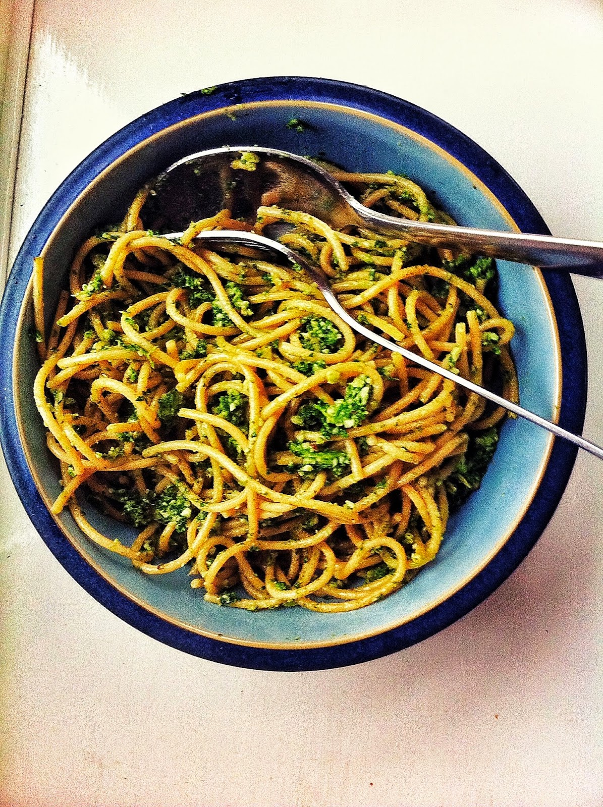 kale and brazil nut pesto with spaghetti