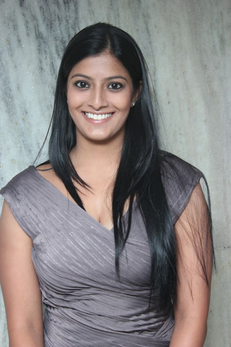 varalakshmi at jk tyre - duchess all women's car rally 2012 prize distribution ceremony unseen pics