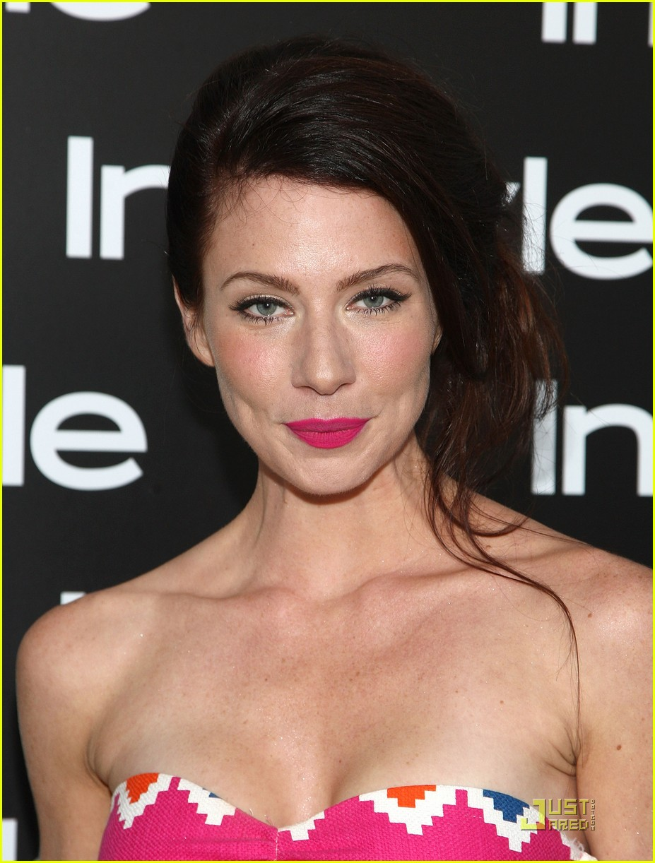 Hollywood uncover 2012 13 for Lynn collins hot pic