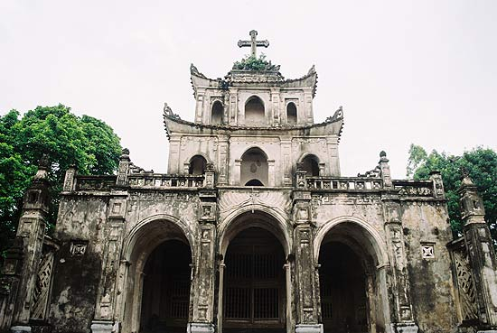 Phat Diem stone church - The most unique church of VietNam