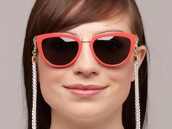 Óculos com correntes da vovó estão de volta!