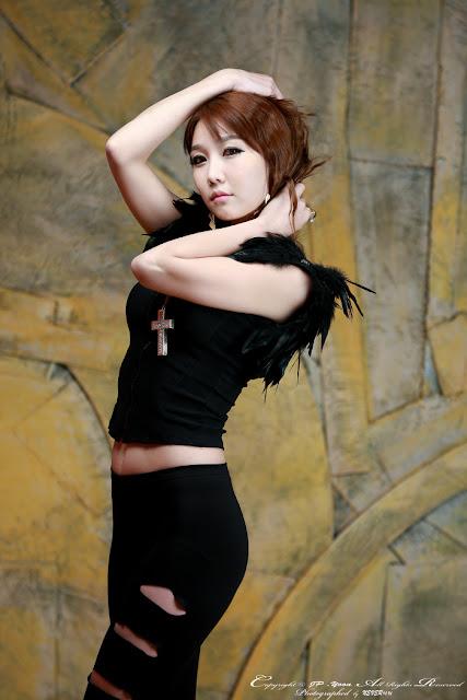 Korean Model Go Jung Ah