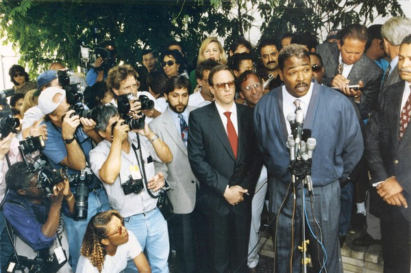 1992 los angeles race riots essay You have not saved any essays on april 29, 1992 the verdict, of the rodney king trial, a pro-police jury set off riot in los angeles, causing fifty deaths, 1$ billion dollars property.