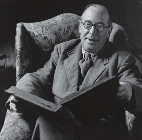 cs lewis on stories essay 39 c s lewis and the inklings on the importance of narrative stories in a fellowship of friends in the early 1930s, c s lewis and j r r tolkien began the habit.
