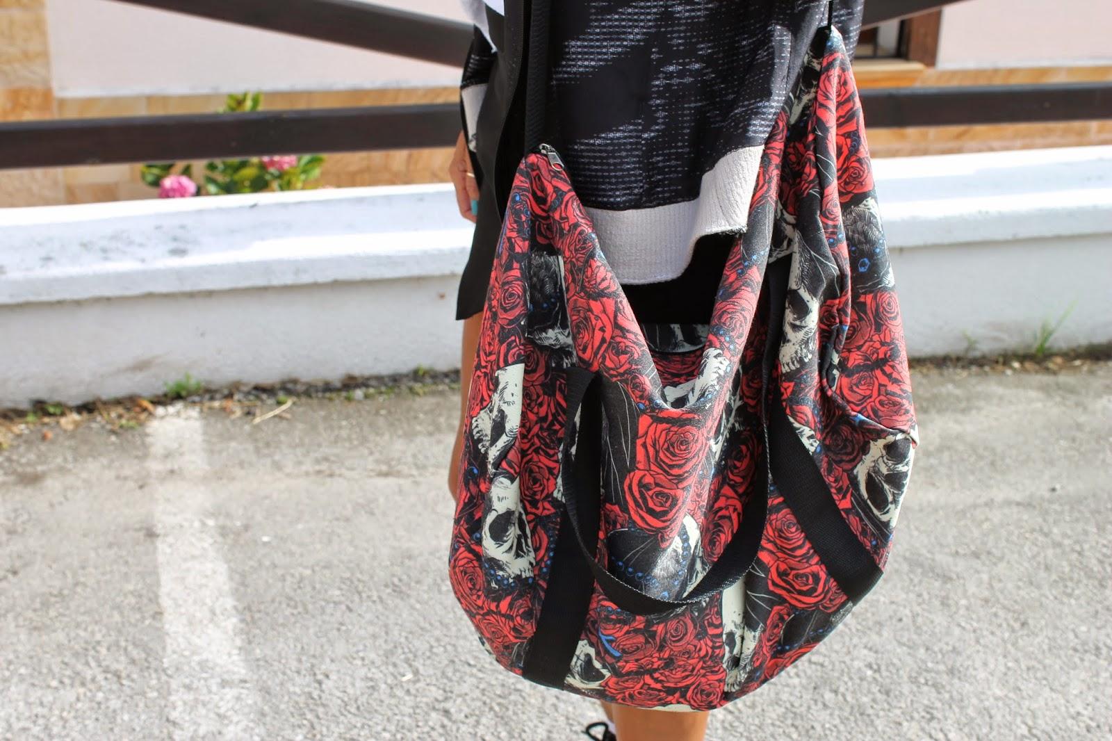 ShoppingBag, Liquor Brand, Marvelous Gijón, Dr. Martens, Boots, look, street style, fashion style, Carmen Hummer, Blog de Moda, Skull