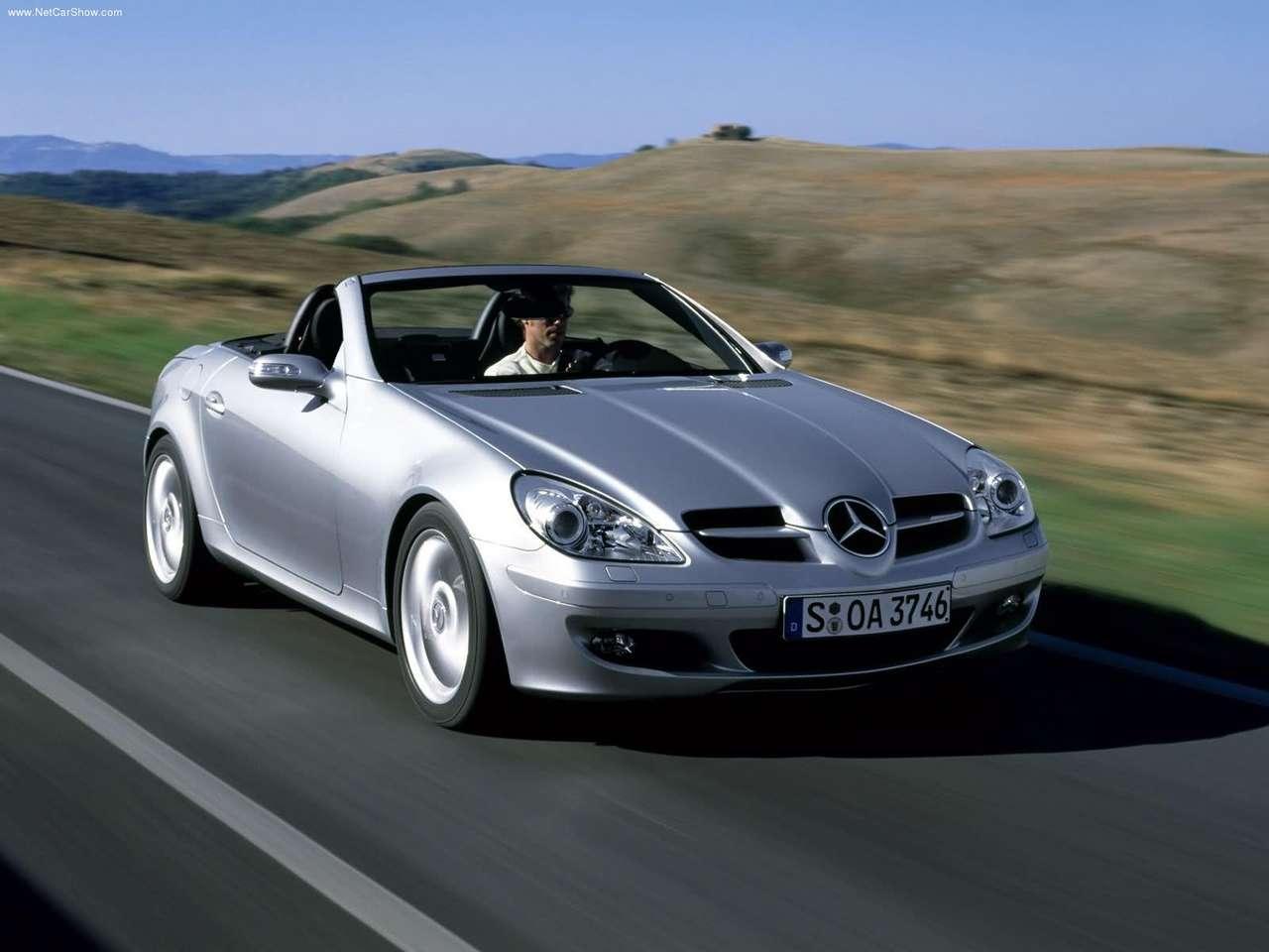 http://2.bp.blogspot.com/-gl-eOL3aXMc/TlFp0TM1Y0I/AAAAAAAAAUY/z6BNAUXD784/s1600/Mercedes-Benz-SLK350_2005_1280x960_wallpaper_08.jpg
