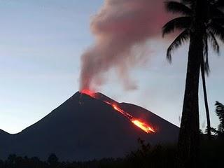 world volcano active news division indonesia by. http;//volcanoguidejotjelala.blogspot.com