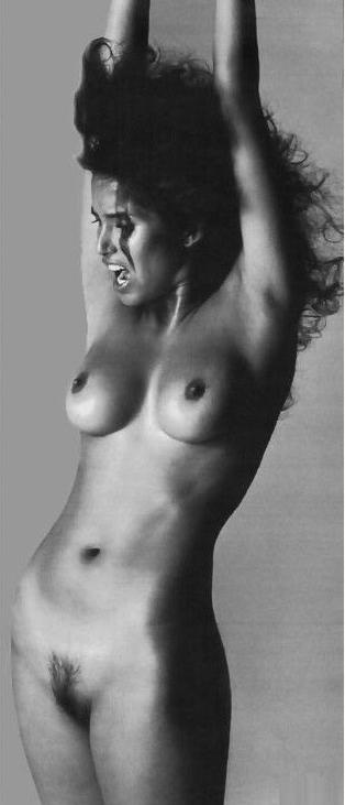 Padma Lakshmi desnuda - Fotos y Vídeos -