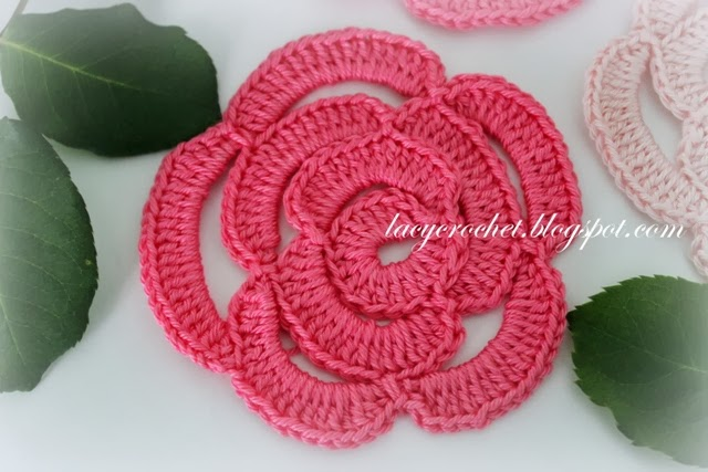 Crochet Stitches Rose : Lacy Crochet: Crochet Rose Tutorial
