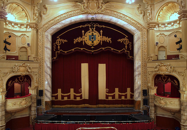 Inside the Kings Theatre