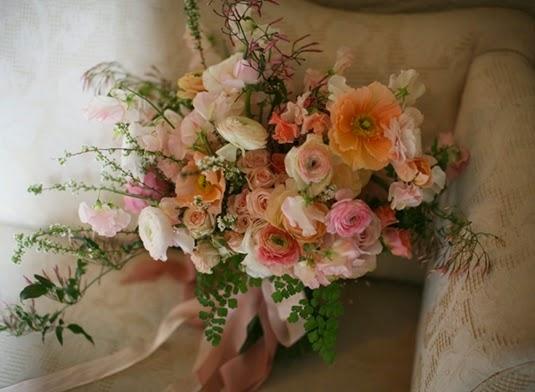 våga prova olika blommor, vallmo ranunkler, dare to tr odd flower combinations, poppies and ranunculus