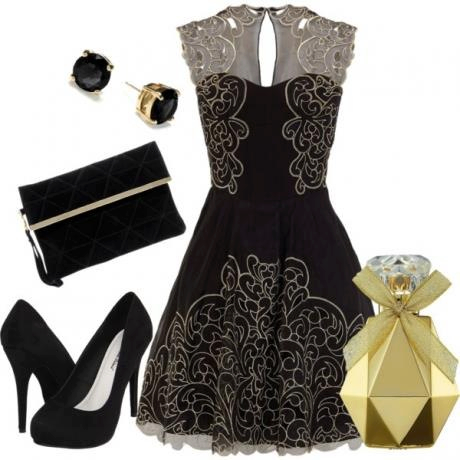Black Dress, Plate form Heels, Clutch, Earrings. | Outfit