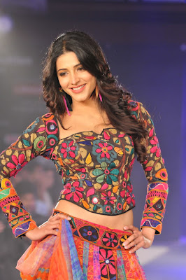 Sruthi Hassan Spicy Pictures