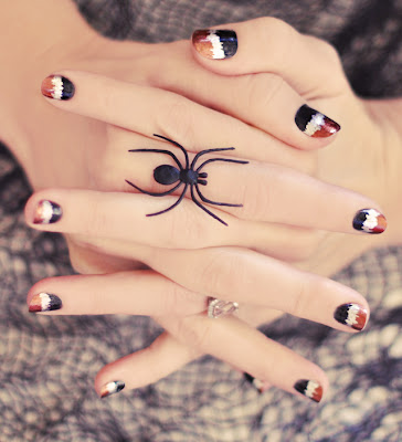 Seismograph manicure, halloween nails