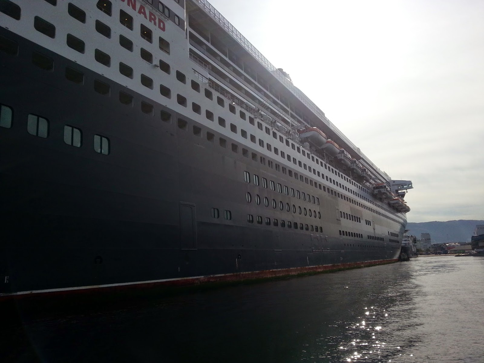 Queen Mary 2 in Bergen