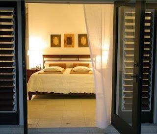 Fotos y dise os de puertas puertas de entrada en aluminio for Disenos de puertas de aluminio