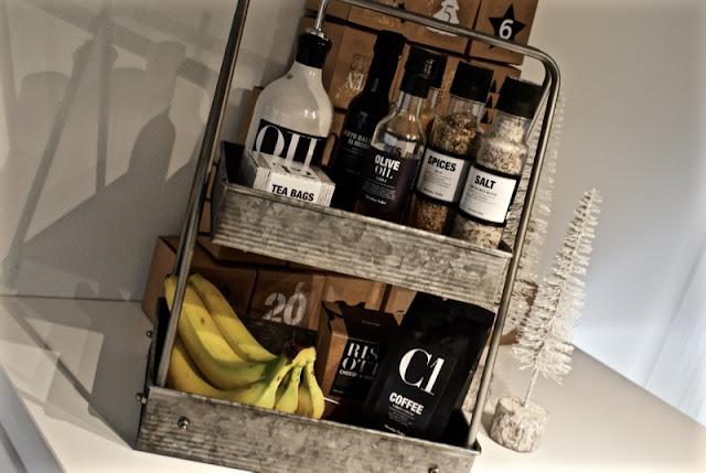 nicolas vahe, house doctor, zicos, keittiö, valkoinen sisustus, minimalistinen