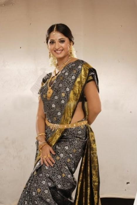 anushka actress pics