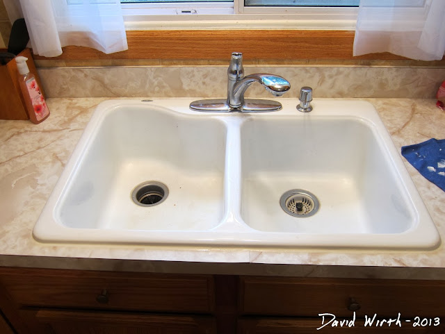 make an old sink look new with caulk
