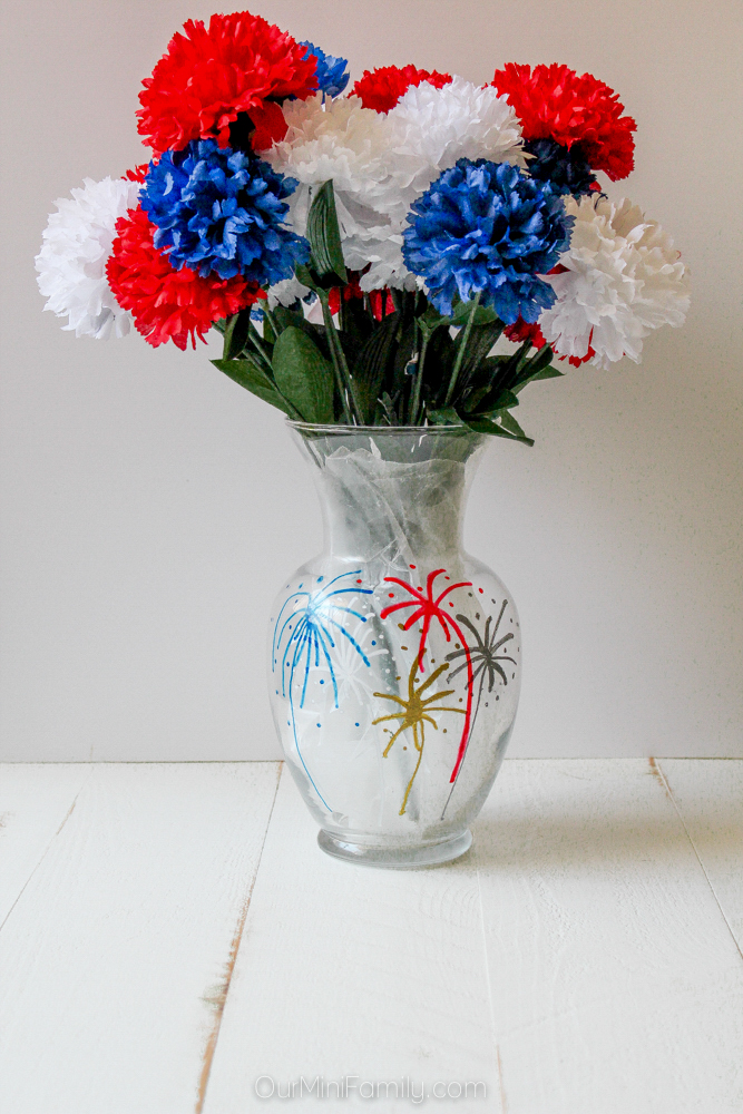 DIY Fourth of July Painted Flower Vase - Our Mini Family