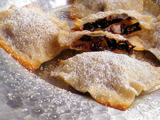 Apple and Dark Chocolate Wonton Parcels | Ms. enPlace