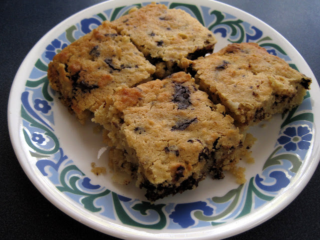 grain free, low carb chocolate chip cookie bars